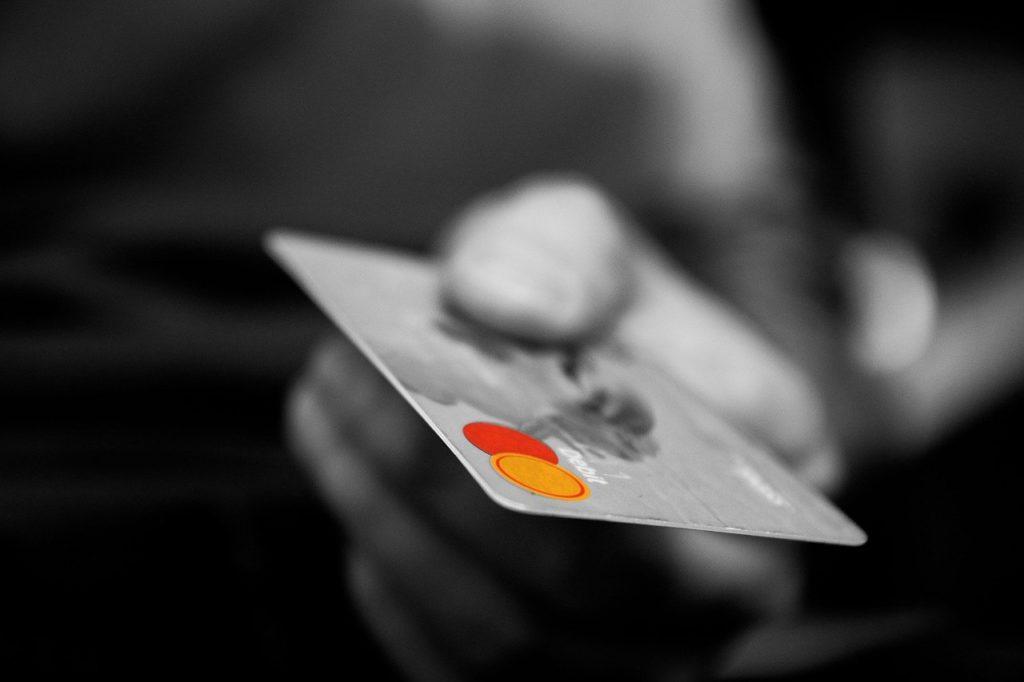 クレジットカードを利用する前に知っておきたい3つの知識